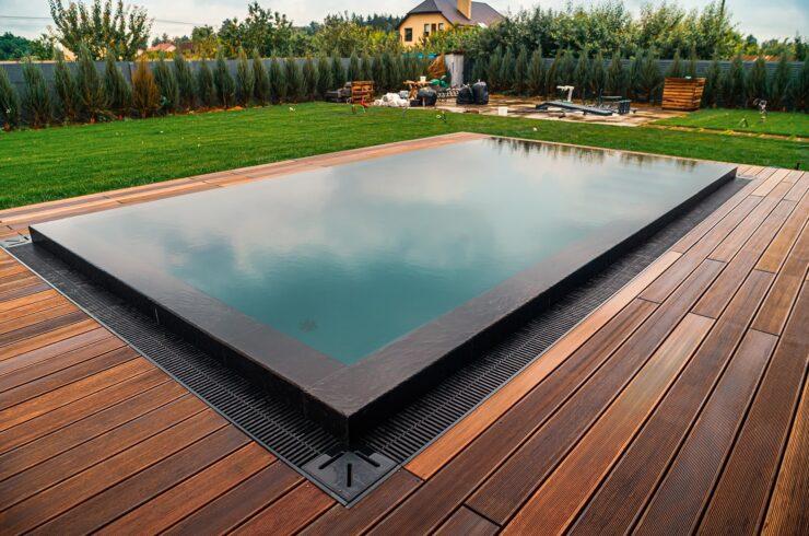 Переливной бассейн под киевом